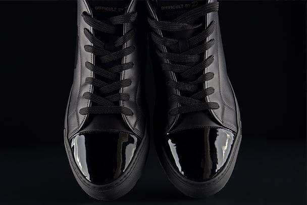 MrE Black Sneaker